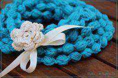 Loop Schal Häkelkette blau von DaBea's PerlenMaschen auf DaWanda.com