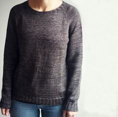 Ravelry: Basic Raglan Pullover pattern by Joji Locatelli Knitting Basics, Knitting Kits, Easy Knitting, Loom Knitting, Knitting Ideas, Knitting Projects, Beginner Knitting, Yarn Projects, Bamboo Knitting Needles