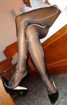 As seen on PantyhoseShareClub.net