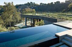 Infinite edge of the pool