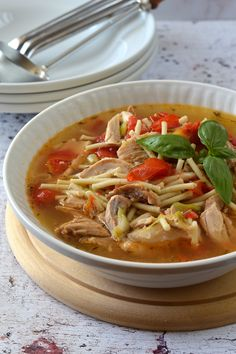 Olaszos levesestál – Kifőztük Thai Red Curry, Soup Recipes, Food And Drink, Ethnic Recipes, Foods, Diy, Eating Clean, Projects, Food Food