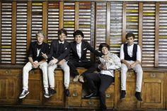 awwww......handsome boys<3