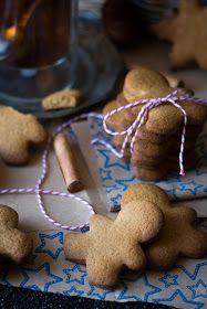 Gingerbread cookies; Biscuits en pain d'épices Easy Christmas Cookie Recipes, Best Christmas Cookies, Beautiful Christmas, Simple Christmas, Gluten Free Cookies, Cookies Et Biscuits, Gingerbread Cookies, Chocolate Chip Cookies, Sweet