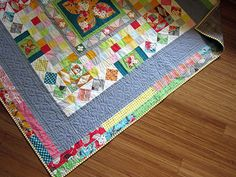 cool quilt with interesting border. Modern Medallion quilted by StitchedInColor… Sampler Quilts, Scrappy Quilts, Easy Quilts, Mini Quilts, Quilt Binding, Quilt Stitching, Hand Stitching, Quilting Projects, Sewing Projects