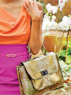 Love the colours, the purse and top!