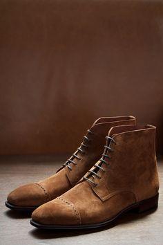 Quarter Brogue Cap Boots