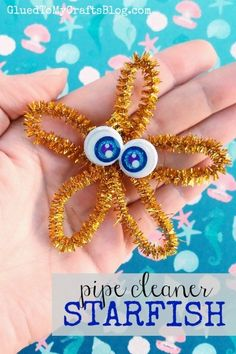 Pipe Cleaner Starfish Kid Craft is part of Kids Crafts Pipe Cleaners - Decorative Pipe Cleaner Starfish Kid Craft It's easy peasy and perfect for an ocean or beach themed craft day! Camping Theme Crafts, Beach Themed Crafts, Summer Camp Crafts, Ocean Crafts, Vbs Crafts, Preschool Crafts, Starfish Crafts, Beach Crafts For Kids, Octopus Crafts