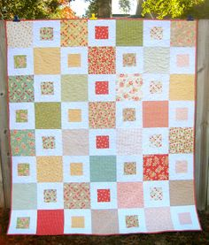 layer cake quilt, a free pattern from http://www.sameliasmum.com/2011/05/1-2-easy-quilt-pattern-tutorial.html?m=1#.UjhI-ca9UUw
