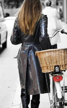 We Present an Extensive Collection of Men, Women, Celebrity, Motorcycle & Custom Leather Jackets. Great Quality, Best Value! Visit for Buy Now Vinyl Raincoat, Yellow Raincoat, Hooded Raincoat, Plastic Raincoat, Patent Trench Coats, Leather Trench Coat, Raincoats For Women, Jackets For Women, Clothes For Women