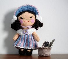 One piece doll - part II - first outfit done - Flower Girl - make in to a little Bo Peep?