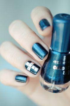 Cross stud nails