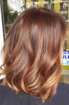 The Most Popular Shades Of Dark Red Hair For Distinctive Looks Cinnamon Hair Brown Ombre Hair, Light Brown Hair, Brown Blonde Hair, Brown Hair Colors, Blue Ombre, Brown Balayage, Purple Hues, Hair Colours, Ginger Brown Hair