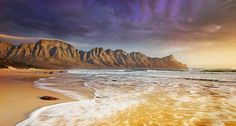 Kogelberg Mountains, South Africa (© Martin Harvey/Corbis)