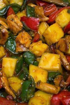 Un pollo agridulce con piña y cilantro. Un plato oriental muy sabroso, especiado y ligero. Vaya mes y medio que llevo. Acabé los ex... Delicious Vegan Recipes, Yummy Food, Healthy Recipes, Chichen Recipe, Asian Recipes, Mexican Food Recipes, Wan Tan, Cooking For Dummies, Pollo Chicken