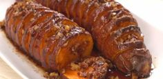 ღღ Hasselback maple pecan sweet potatoes. Click Pin for recipe.