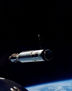 Agena Project Gemini, The Right Stuff, Man On The Moon, Lost In Space, Space Program, Space Station, Space Exploration, Spacecraft, Outer Space