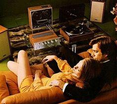 TOSHIBA 1973   www.1001hifi.com Sound Of Music, Music Love, Music Music, Piano Music, Big Speakers, 70s Decor, Vinyl Junkies, Audio Room, Old Computers