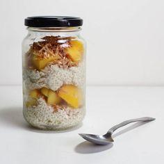 Brekkie to go #mangochiapudding  #coconutmilk #frozenmango #chiaseeds #toastedcoconut