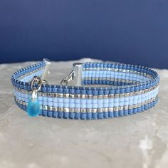 Loom Bracelet Patterns, Bead Loom Bracelets, Bead Loom Patterns, Jewelry Bracelets, Diy Beaded Rings, Beaded Jewelry, Accesorios Casual, How To Make Necklaces, Tear