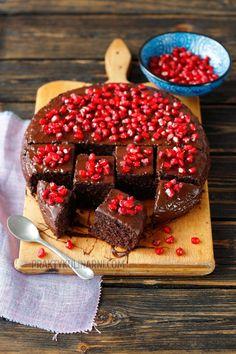 Brownie jaglane z kokosem – ciasto fit - praktykulinarni Dessert Sans Gluten, Gluten Free Desserts, No Bake Desserts, Cake Recipes, Vegan Recipes, Nutella, Food To Make, Catering, Raspberry
