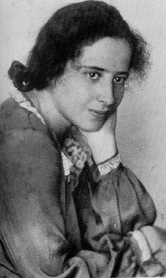 ImageShack - Hanna Arendt