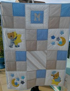 Baby Quilts Easy, Baby Quilts To Make, Baby Patchwork Quilt, Baby Girl Quilts, Colchas Quilting, Quilting Projects, Baby Boy Quilt Patterns, Baby Applique, Baby Sheets