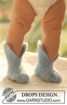 Howdy / DROPS Baby - Felted slippers for baby and children in 2 threads DROPS Alpaca Baby Knitting Patterns, Baby Patterns, Free Knitting, Crochet Patterns, Felt Booties, Knit Baby Booties, Knit Boots, Drops Design, Gestrickte Booties