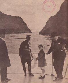 King Mihai I strolling on the banks of the Danube - 1928 Romanian Royal Family, European Countries, Eastern Europe, Queen Anne, Crowns, Vintage Photos, Postcards, Cruise, Relationships