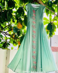 Beautiful Silk-chiffon kurti with beautiful embroidery and pleats detailing. Hand Embroidery Dress, Embroidery Fashion, Indian Attire, Indian Wear, Indian Dresses, Indian Outfits, Ethnic Fashion, Indian Fashion, Long Kurti Patterns