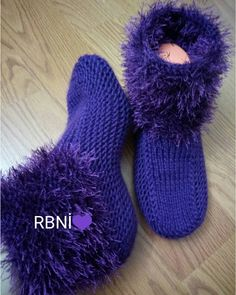 Best 12 Image may contain: shoes- – SkillOfKing. Crochet Shoes, Crochet Slippers, Crochet Ripple, Crochet Poncho Patterns, Cool Socks, Knitting Socks, Handmade Bags, Kids And Parenting, Easy Crafts