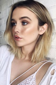 Acacia Brinley's Hairstyles & Hair Colors | Steal Her Style