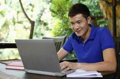 Studenten sollten bloggen. Die Investition an Zeit und Energie kann sich sowohl im Studium als auch bei der Jobsuche auszahlen – wenn Sie sich im Vorfeld die richtigen Fragen stellen und Ihr Blog ernsthaft angehen.