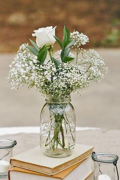 Blumendekoration mit Schleierkraut is part of Flower centerpieces wedding - Rustic Centerpieces, Wedding Centerpieces Cheap, Babys Breath Centerpiece Mason Jar, Vintage Centerpiece Wedding, Wedding Shower Decorations, Bridal Shower Centerpieces, Graduation Centerpieces With Mason Jars, Cheap Centerpiece Ideas, Centerpieces With Lights
