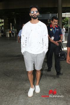 Shahid Kapoor and Arjun Kapoor snapped at the airport Pictures Shahid Kapoor, Event Photos, Bollywood, Sporty, Pictures, Style, Fashion, Photos, Swag