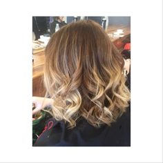 Gorgeously soft balyage and a short sharp Bob by Orla.  For details please visit www.dimilo.ie