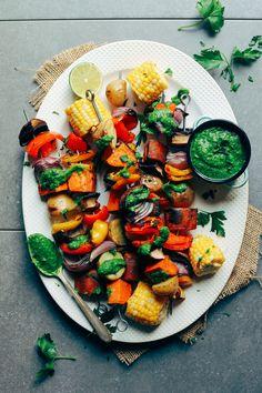 Grilled Veggie Skewers with Chimichurri Sauce Minimalist Baker Recipes Vegetarian Skewers, Grilled Vegetable Skewers, Grilled Vegetables, Vegetarian Recipes, Healthy Recipes, Vegan Vegetarian, Yummy Recipes, Vegan Grilling, Grilling Recipes