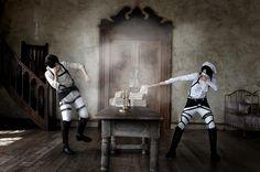Eren Jager (by YUZU @WorldCosplay) & Levi | Shingeki no Kyojin #cosplay #anime