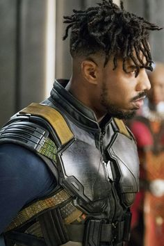 1 Critic Ruined Black Panther's Perfect Rotten Tomatoes Score, and Now Fans Are Livid Dreadlock Hairstyles For Men, Black Men Hairstyles, Haircuts For Men, Black Panther 2018, Black Panther Marvel, Michael Bakari Jordan, Mens Dreads, Natural Hair Men, Short Dreads