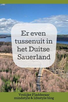 Het Sauerland in Duitsland ben je zó vanuit Nederland, en geeft je toch direct een vakantiegevoel. Er tussenuit bij Arnsberg, de Mohnesee & het Felsenmeer. #duitsland #duitse #sauerland #natuurgebied #vakantie #tips #reis #stuwmeer #mohnesee #felsenmeer #arnsberg #altstadt #beleven #dutchblogger #nederlandseblogger Visit Germany, Europe Travel Tips, All Over The World, Travel Inspiration, Beautiful Places, Places To Visit, Hiking, Italy, Travelling