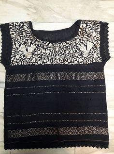 Mira este artículo en mi tienda de Etsy: https://www.etsy.com/es/listing/508619354/huipil-oaxaca-embroidery-blouse-boho-top