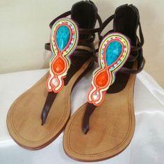 Sandalias adornadas con técnica soutache Macrame Earrings, Soutache Jewelry, Beaded Sandals, Flip Flop Sandals, Flip Flops, Gladiator Sandals, Shoes Sandals, Silk Ribbon, Shibori