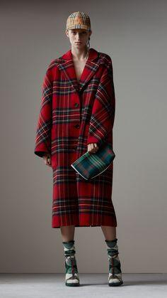 Cappotto double face oversize in lana e cashmere con motivo tartan (Rosso Acceso/grigio Scuro) - Donna | Burberry