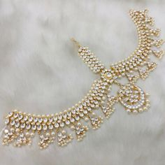 Kundan Maang Tikka Stones: Kundan Gold Plated *Please contact us for custom colors or to add additional jewelry pieces to this order