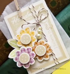Button flower tag