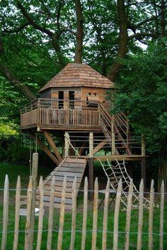 baumhaus kinder garten bauen stelzen plattform