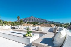 Villa for sale in Aloha, Nueva Andalucia. Well located in the heart of the Golf Valley, this impressive east facing four bedroom villa is close to all local . Marbella Spain, Outdoor Furniture Sets, Outdoor Decor, Andalucia, Villas, Golf, Bedroom, Modern, Design