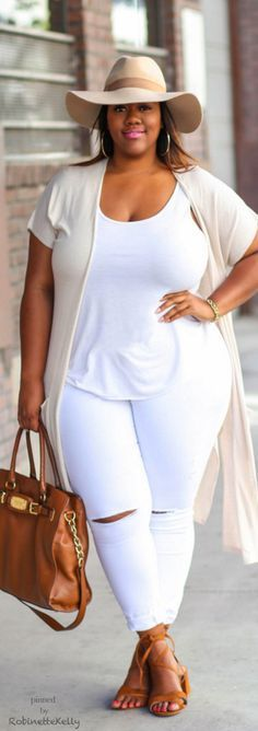 Take a look at the best plus size outfits for summer in the photos below and get ideas for your outfits! Plus Size All White Look Image source Curvy Outfits, Mode Outfits, Plus Size Outfits, Cool Summer Outfits, Fall Outfits, Casual Outfits, Denim Outfits, Casual Summer, Denim Dresses