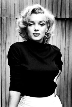Marylin Monroe, so beautiful, she was full figured too not a stick :-)