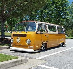 Find your best gift ideas for your family and friends! Volkswagen Transporter, Vw Bus T2, Volkswagen Minibus, Kombi Camper, Vw T1, Campers, Camper Van, Bus Girl, Yellow Car