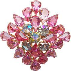 #Vintage #Pink at www.rubylane.com @rubylanecom --Gorgeous Pink Glass Aurora Rhinestone Vintage Brooch